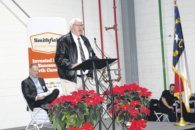 Smithfield Foods shows off new distribution center | Bladen